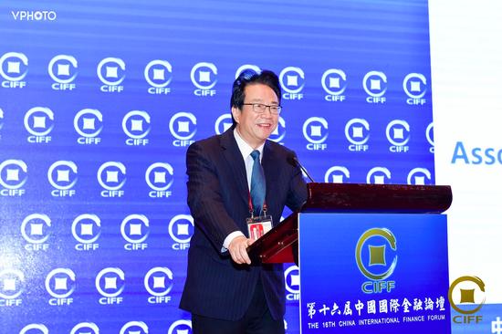 潘(pan)光偉︰金融租賃業機遇與挑戰(zhan)並存 應注重防控風險