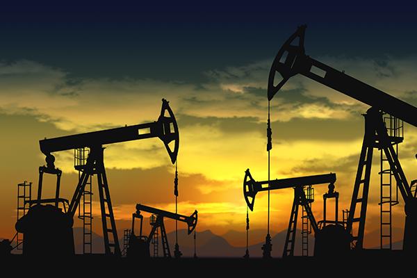 油价四年高位涨势暂缓 伊朗石油出口降至两年半