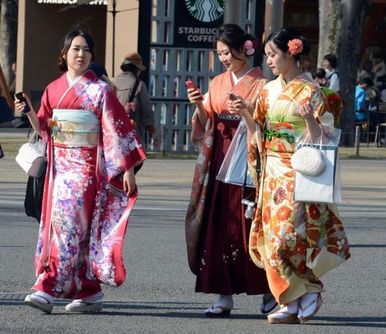 日媒:日本年轻人热