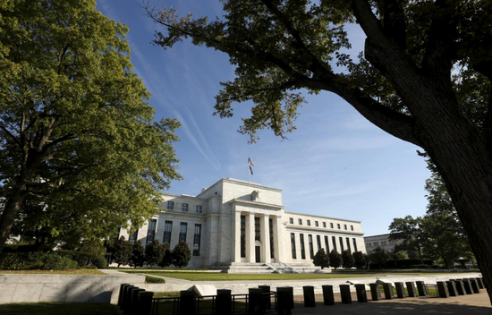 资料图片:2015年9月,美国华盛顿,美联储总部。REUTERS/Kevin Lamarque