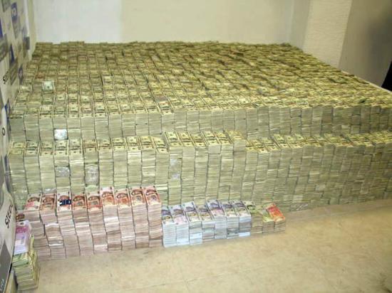 全球最有钱的对冲基金和富豪家族都在囤积现金