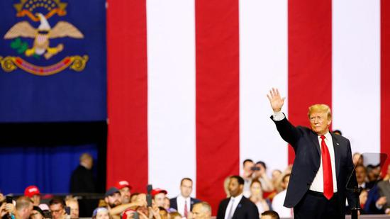 特朗普在现场 图自POLITICO
