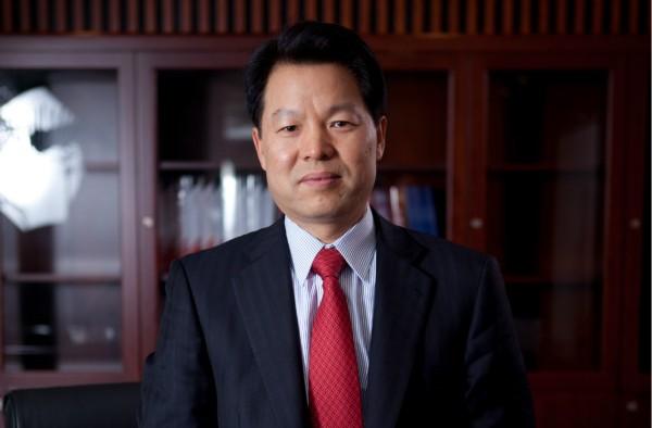 """专访上海银行行长胡友联:与核心企业共当""""群主"""",解渴三四"""