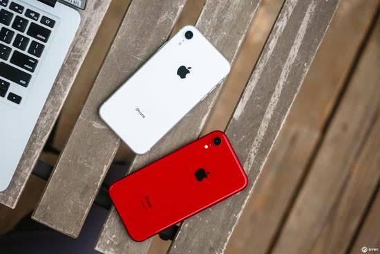 三星手机在北美卖出1070万台,苹果卖出1460万台!