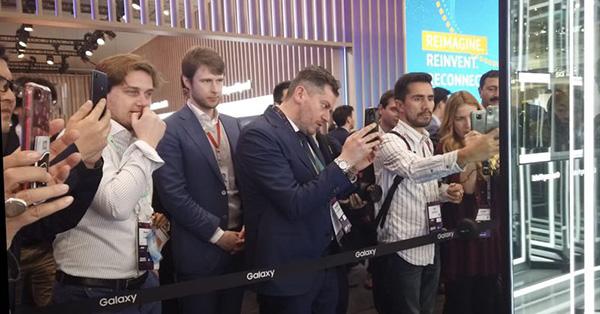 世界移动通信大会十大趋势:VR和AR将比智能手机强大