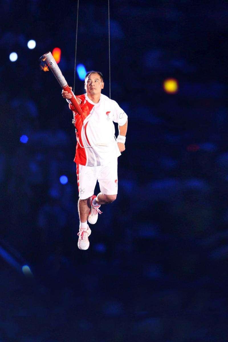 曾是奧運會冠軍,今坐擁幾十億,個人名字成了