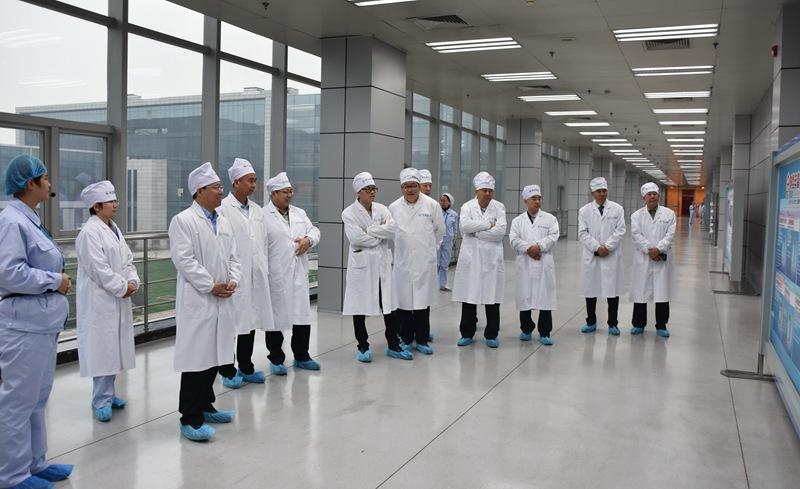 华润健康、华润医药集团领导一行到访冀中能源