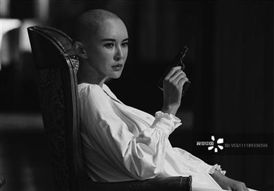 演员莫小棋怼视觉中国: 我发自己的照片也要付费?