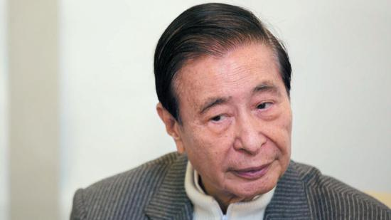 """91歲""""香港巴菲特""""李兆基擬退休 曾自稱""""冒牌股神"""""""