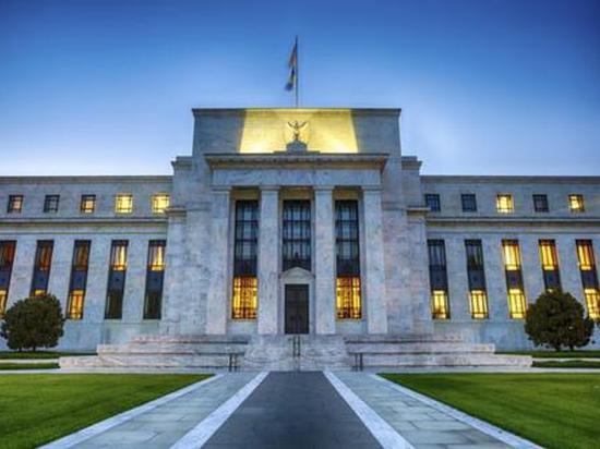 美联储按兵不动 预计近零利率维持至2022年底,ig外汇平台