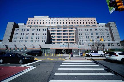 △图为纽约埃尔姆赫斯特医院(Elmhurst hospital) 图片来源:CNN