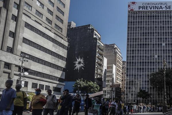 疫情仅次于美国!巴西总统却拒绝戴口罩和封城,基点