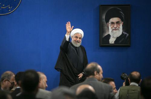 鲁哈尼称美国不敢与伊朗开战:会阻碍特朗普连任-21日