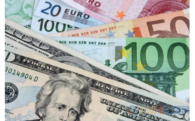 全球经济衰退担忧支撑避险美元 脱欧不确定施压英镑,俄罗斯一客机起火