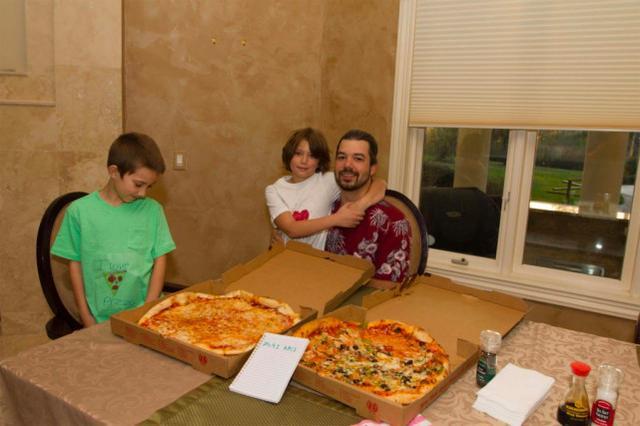 """十年前用比特币换披萨的小伙相当于亏掉38亿美元,自称""""不后悔"""" 比特币_新浪财经_新浪网"""