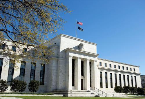 """美联储半年度货币政策报告:企业破产风险""""仍然很高"""""""
