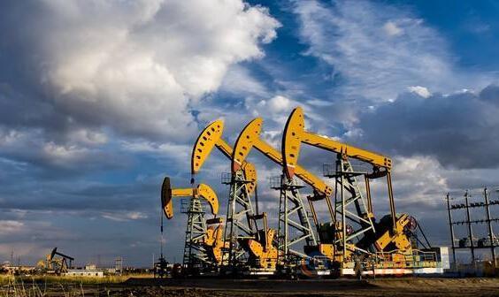 EIA原油库存大降+预期OPEC深化减产 美油飙涨4%