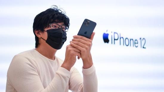 报告:iPhone 12不附带耳机充电器有望刺激苹果配