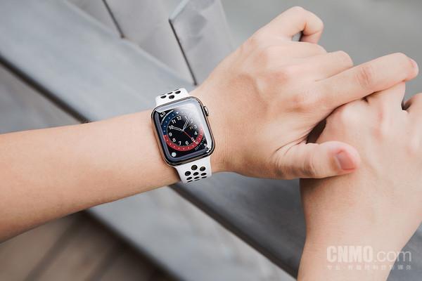 Apple Watch Series 6/SE评测:给全家都买一块吧!