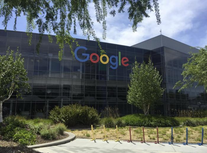 谷歌称将帮助员工偿还学生贷款