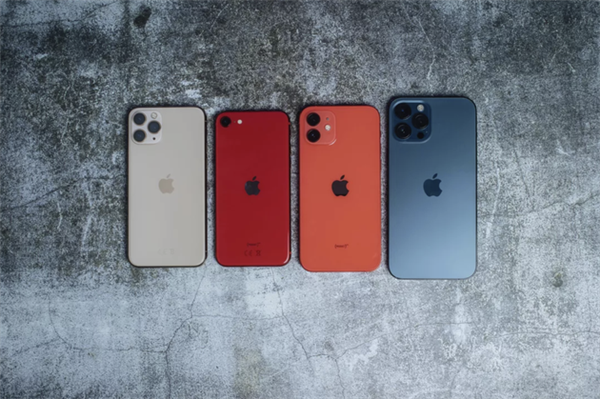 消息称苹果正在研发折叠屏手机:铰链几乎隐藏