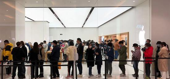 业内人士:iPhone 12悄悄加单了200万部