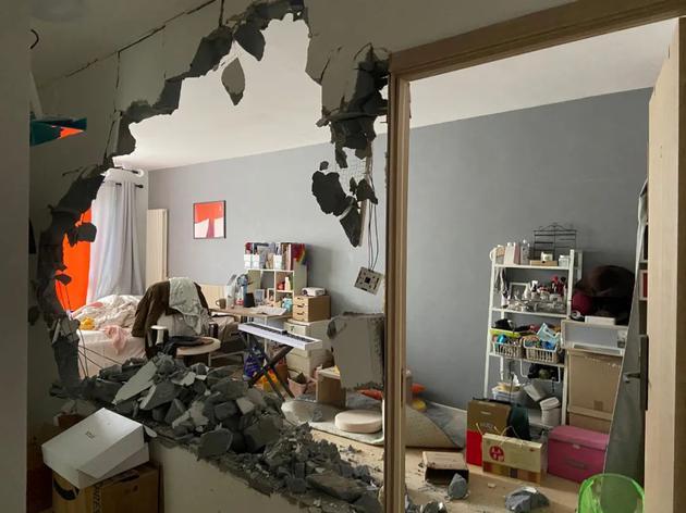 房子被砸后。