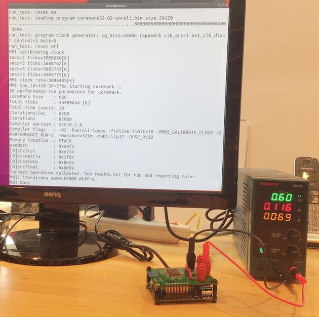 Micro Magic 的芯片在 3.08GHz 频率下的功耗是 0.69mW,此时的 CoreMark 分数为 8200 分。